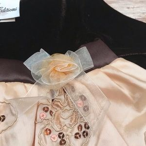 Rare Editions Dresses - Rare Editions velveteen and gold embroidered dress